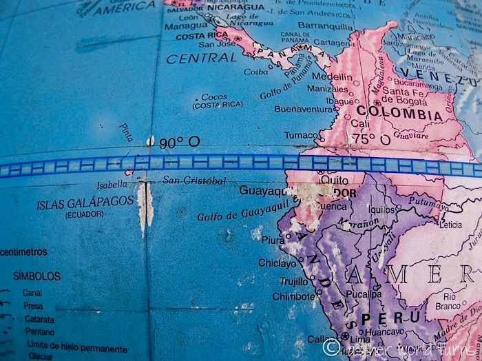 Latitude 000000 visiting the equator as her world turns 925g gumiabroncs Image collections